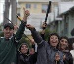 ciudadanos-armados-se-atrincheran-frente-a-sus-casas-para-evitar-saqueos-00$599x0